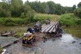 Река Туй значительно обмелела и мост функционирует